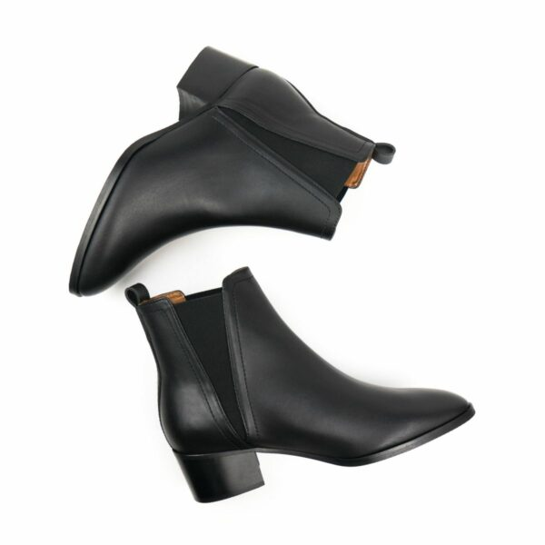 WIlls Vegan Shoes Point ToeChelsea Boots 2 1