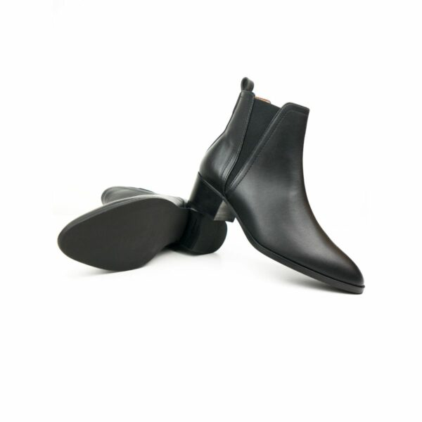 WIlls Vegan Shoes Point ToeChelsea Boots 4 1