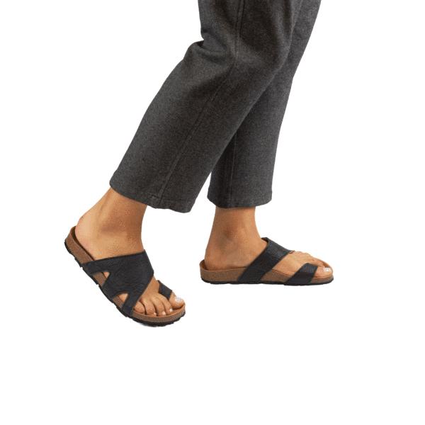 Nae Daros Zwart Sandalen Pinatex Unisex 1